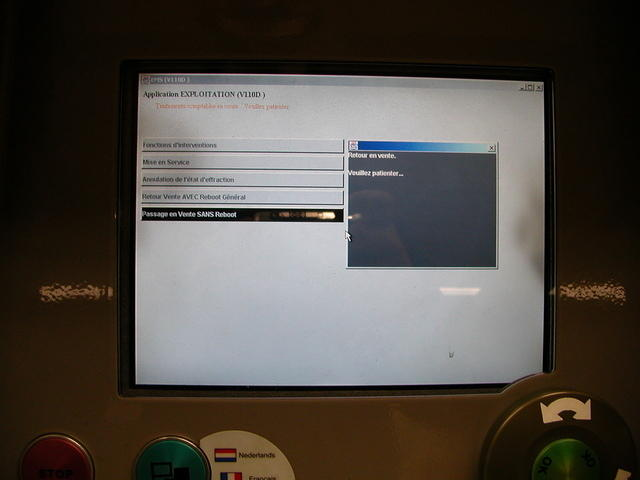 Crashed STIB ticket distributor